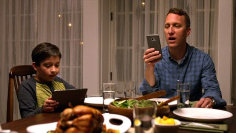 Families Overwhelmingly Want Dinnertime to be Screen-Free, Comcast Study Shows
